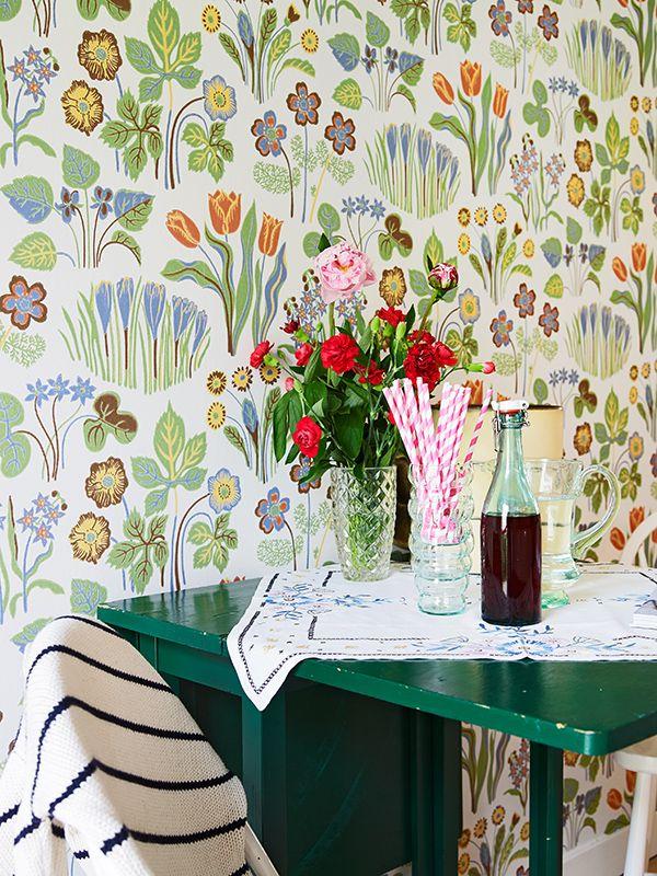 Svenskt tenn wallpaper