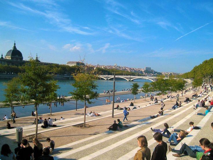 Balade sur les quais du Rhône à Lyon