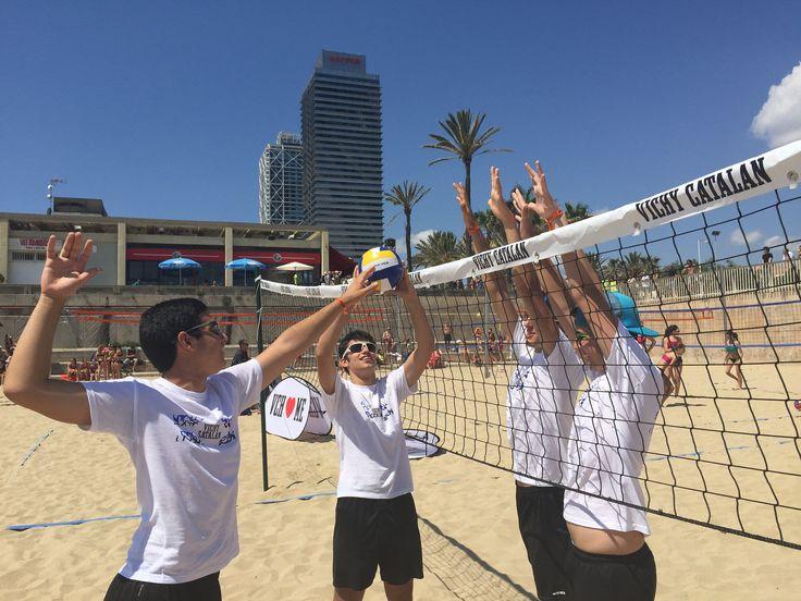 https://flic.kr/p/tJV4bQ | IMParticipantes del evento #VCHVoley, en la playa de Nova Icària BarcelonaG_8980