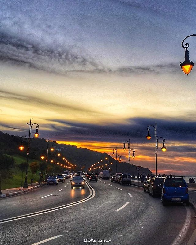 Page Officielle De Tanger Sur Instagram فوقاش كتعجبك مرقالة أكثر في الصيف او في الشتاء طاكي أعز صديق ة عندك قولو يلاه ندربو شي Celestial Outdoor Sunset