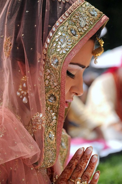 #indianbride praying before the wedding