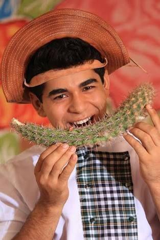 O criador da gastrotinga é o chef.do sertão, Timóteo Domingos. Com 19 anos, ele já coleciona mais de mil receitas com ingredientes como cactus e ouricuri...