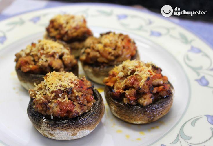 Si queréis una comida sencilla y con pocas calorías... Champiñones rellenos de carne al horno http://www.recetasderechupete.com/champinones-rellenos-carne-al-horno/18790/ #MenuSemanal