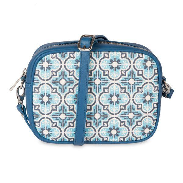Bolso Bandolera Sara Azul de Sanyuri, con diseño propio inspirado en las baldosas hidraúlicas del Mediterráneo