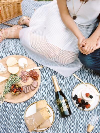 DC picnic proposal: http://www.stylemepretty.com/2015/06/22/surprise-dc-picnic-proposal/ | Photography: Abby Jiu - http://www.abbyjiu.com/
