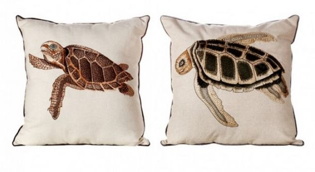 Льняные подушки с вышивкой Размер 40х40 Цена 2600 руб.