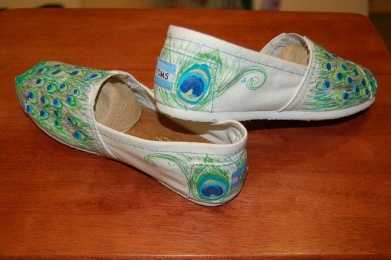 I'll probably buy these for myself for Christmas.: Peacock Feathers, Peacockfeath Toms, Style Shoes, Peacock Toms, Peacock Feath Toms, Christmas, Custom Toms, Fashion Wearable, Shoes 3