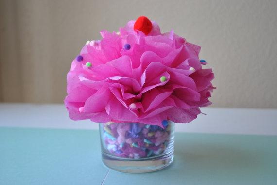 Cupcake table centerpiece@Lindsay Anne  Favorite so far!