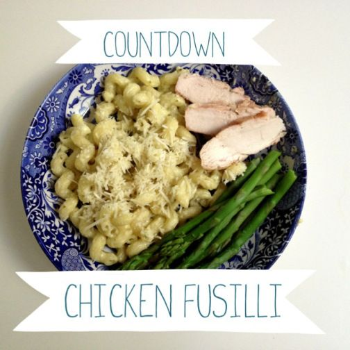 Disneyland Red Rockett's Chicken Fusilli Recipe by 2 Miss Mouses, it's the alfredo pasta served in Tomorrowland.