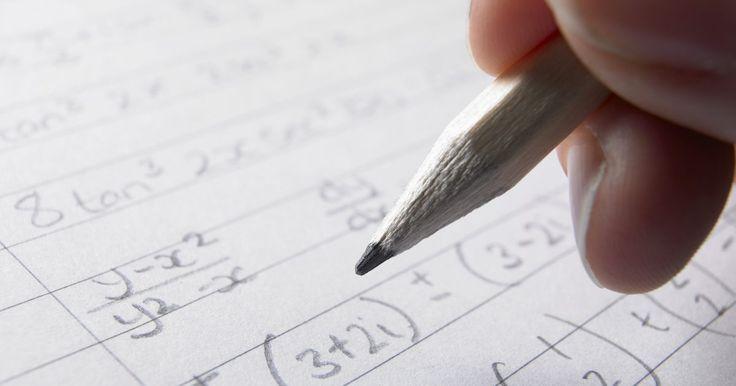 Como resolver equações lineares de três variáveis em uma TI-84. A resolução de um sistema de equações lineares pode ser feita à mão, mas é uma tarefa que consome tempo e é passível de erro. A calculadora gráfica TI-84 é capaz de realizar a mesma tarefa, se descrita em forma de matriz. O sistema de equações deverá ser escrito como uma matriz A, multiplicada pelo vetor das incógnitas e igualada ao vetor B das ...