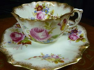 HAMMERSLEY VICTORIAN  TEA CUP AND SAUCER  H.P. FLORAL pink roses LUSH GILT c1898