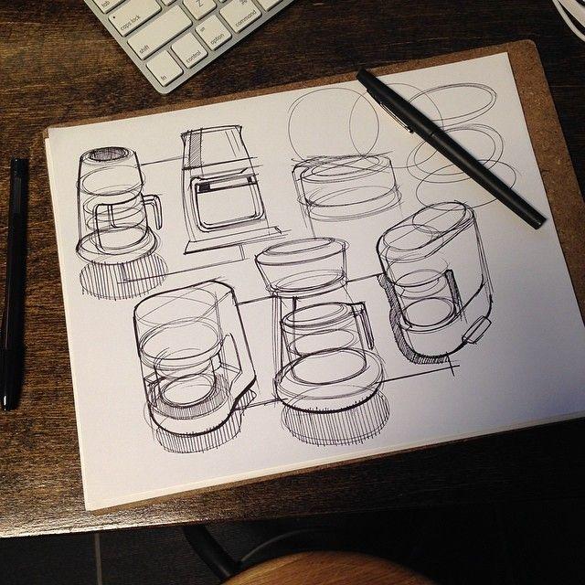 많은것을 느끼게 해주는 스케치. 그림자처리나 선정리를 어떻게했는지 알 수 있다. #스케치