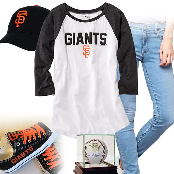 San Francisco Giants Baseball Tee Outfit - http://cutesportsfan.com/san-francisco-giants-ball-girl/