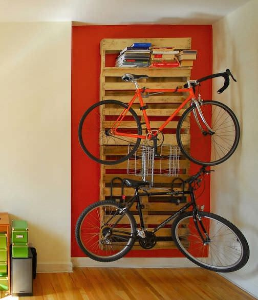 14 Ways of Reusing Old Wooden Pallets as Bike Racks | Your online ressource for recycled & upcycled wooden pallets!