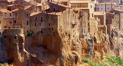 Nel regno del tufo. Le città etrusche tra Lazio, Umbria e Toscana on www.italytraveller.com