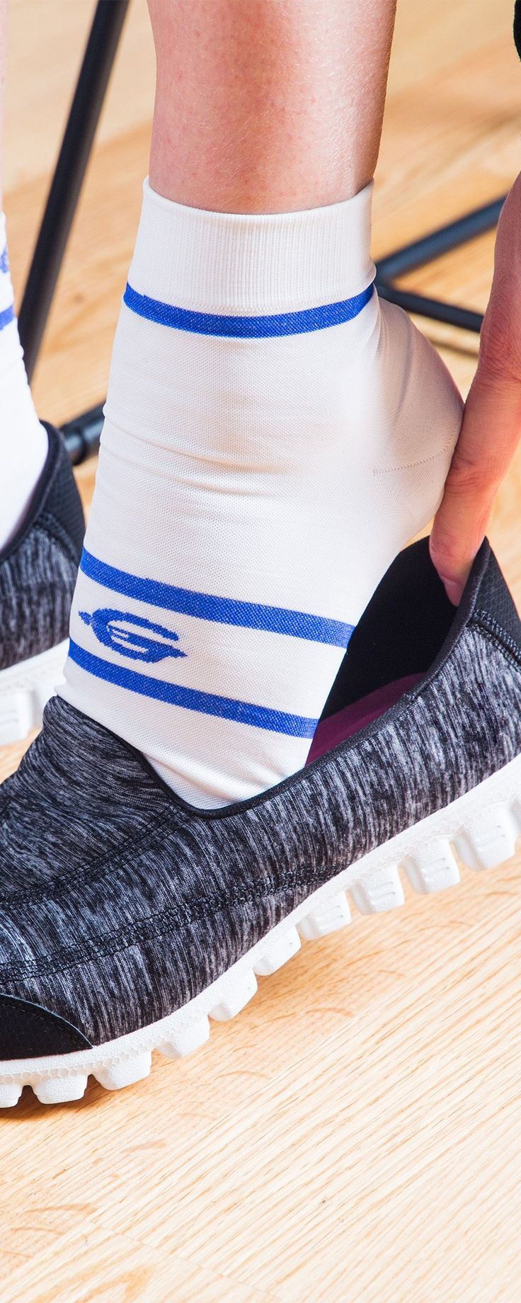 All the benefits of compression socks, plus a few more. Padded insoles cushion and absorb shock, while sweat-wicking silver fibers keep feet dry.