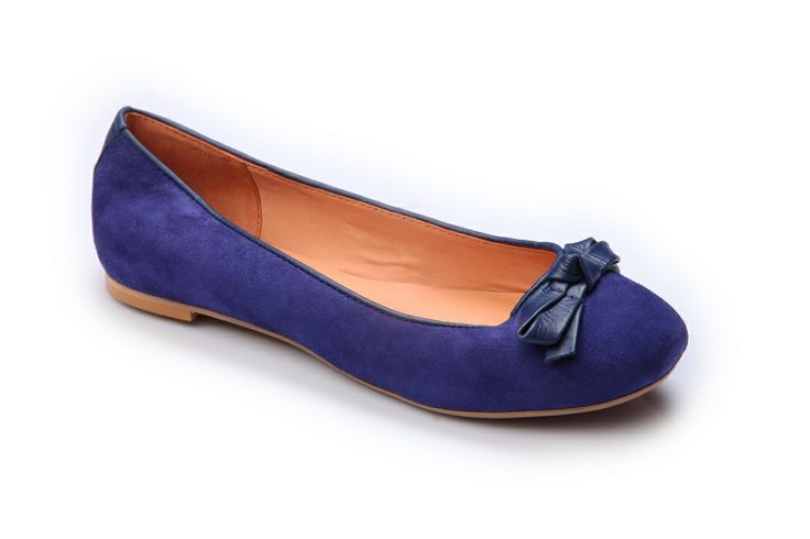 CATTY BELLY Upper: GOAT SUEDE ,Sole: RUBBER ,Lining: COW D.D. Ladies Belly By #Hitz - Real leather uppers, Attractive colour, Slim Design, Penny Toe, Coloured sole and stacked heel. #onlineshopping #hitzshoes