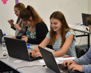 Surprise, surprise! Internet surfing in class will not make you smarter - https://www.mercatornet.com/connecting/view/surprise-surprise-internet-surfing-in-class-will-not-make-you-smarter/19290