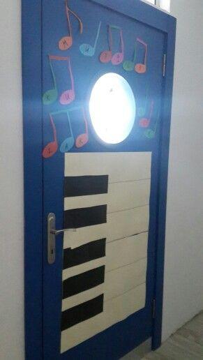 #Ankara #dehalarkoleji #müzik #sınıf #kapısı #BaharBazencir öğretmenimızin emeği