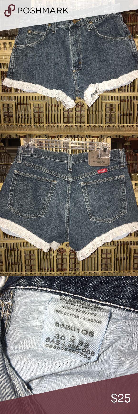 "🎀🎀🎀🌸🌸🌸Wrangler Eyelet Shorts 30"" waist🌸🌸🌸 🌸🌸🌸Lovely Wrangler Shorts 30"" Waist⛵️⛵️⛵️My daughter was a Sz 2 when she wore these🎀🎀🎀 Wrangler Shorts Jean Shorts"