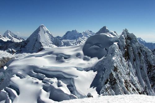 Climbing in the Cordillera Blanca #Peru