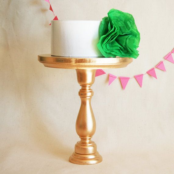 spray cake stand goldWhite Cake, Cake Size, Gold Cake Stands, Gold Sprays Painting Parties, Birthday Parties, Cute Ideas, Small Tal Size, Desserts Tables, Simple Cake