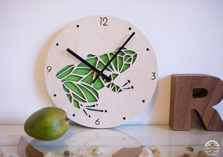 "Wooden wall clocks ""Frog"" by BAOBAB. ==========================   Авторские настенные часы ""Frog"" студии BAOBAB."