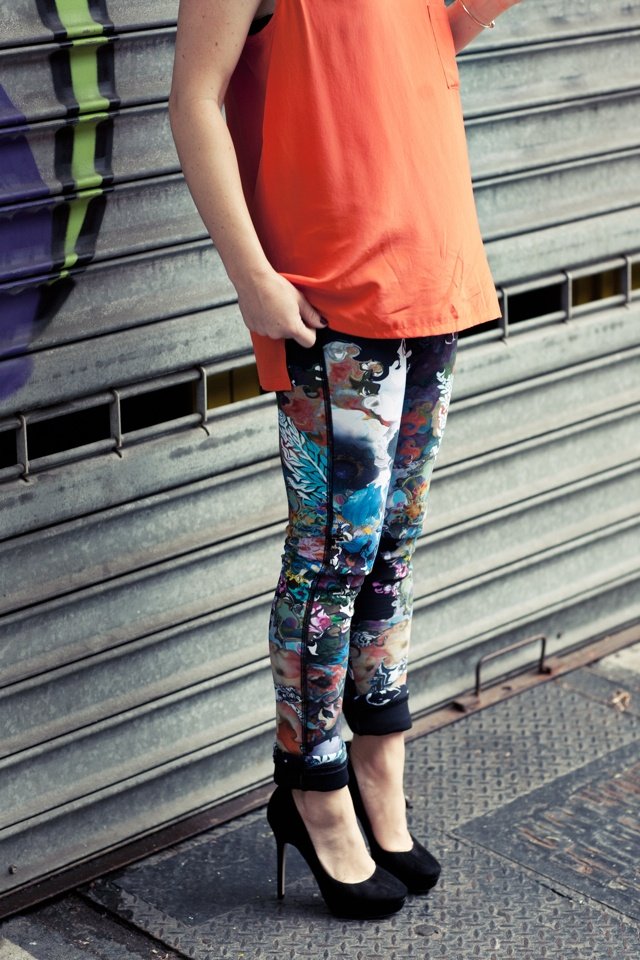 printed>  @Laurel White... I used to wear leggings like these as pants in the early 90's...
