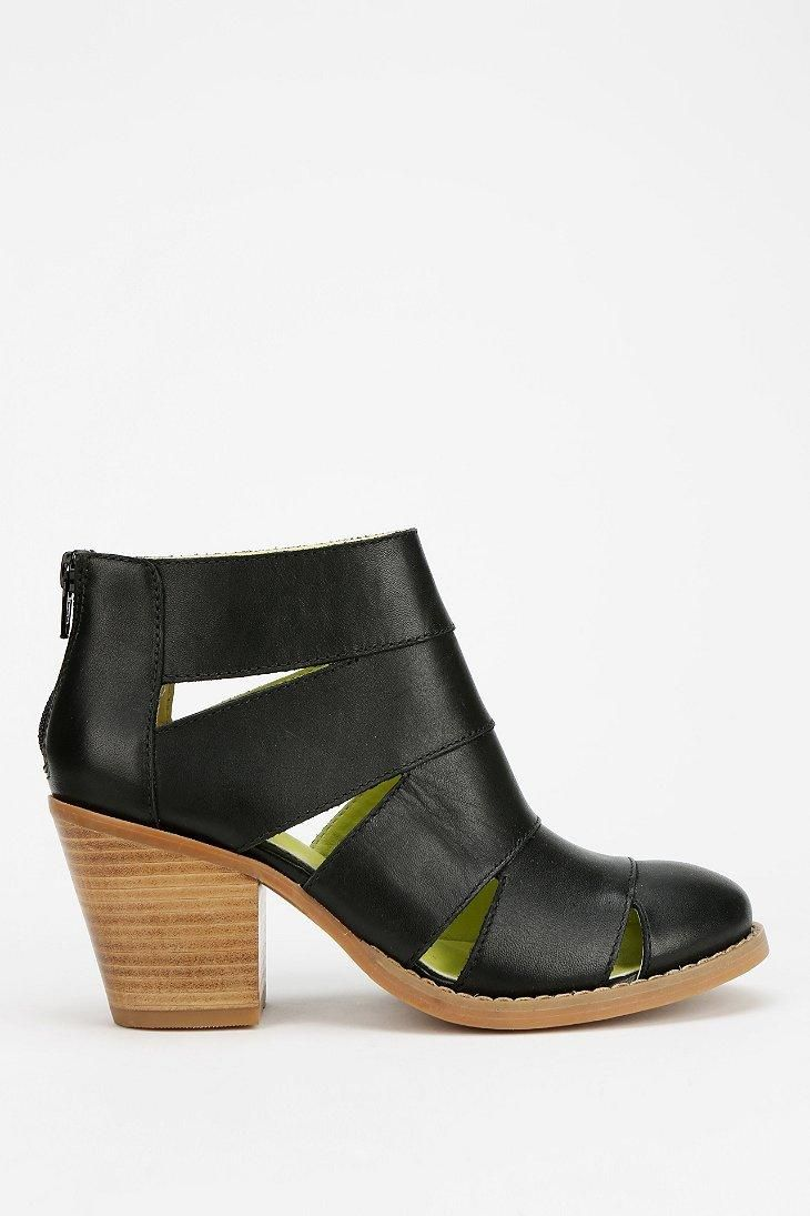 Seychelles Unlock The Door Cutout Ankle Boot #urbanoutfitters