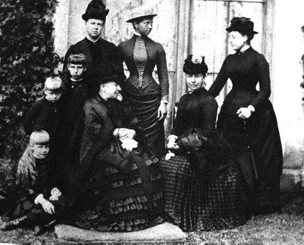 Vicky and her children with Queen Victoria