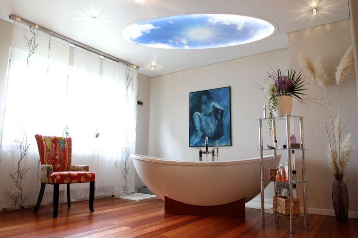 Salle de bain, plafonds tendus et imprimés lumineux EXTENZO