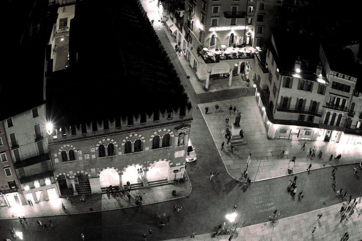 VERONA   #city #urban #landscape #people #walking