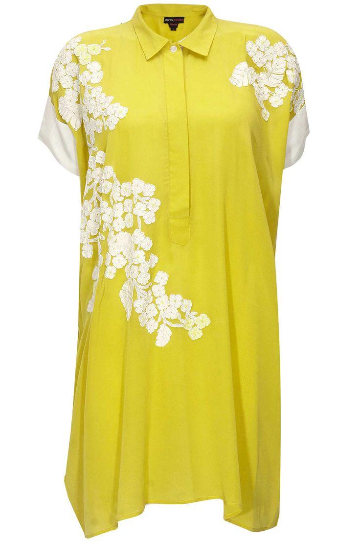 Yellow cluster aureolin tunic by Namrata Joshipura. Shop now: http://www.perniaspopupshop.com/designers/namrata-joshipura #tunic #namratajoshipura #shopnow #perniaspopupshop