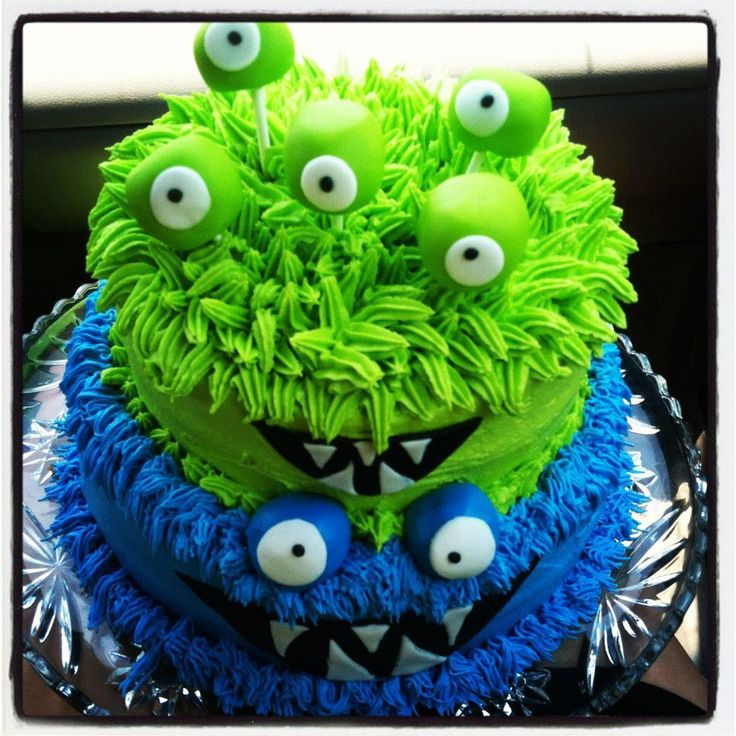 Monster Cake for Brendan's 3rd B-day... and extra cake pops for the guests!