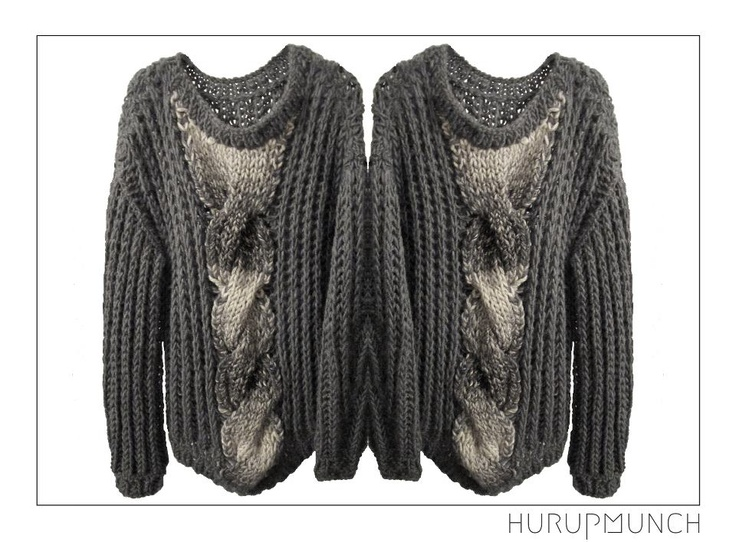 100% pure new wool.  Hand knitted long sweater.  Dkk: 1.199,-