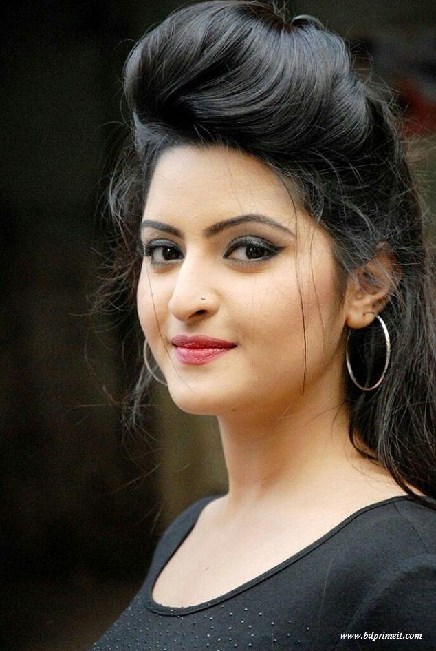 Bangladeshi Media sexy girls: Bangladeshi sexy actress model & RJ Nawsheen