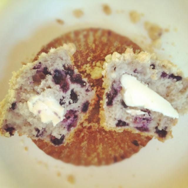 Bisquick Blueberry Muffins with crumb topping
