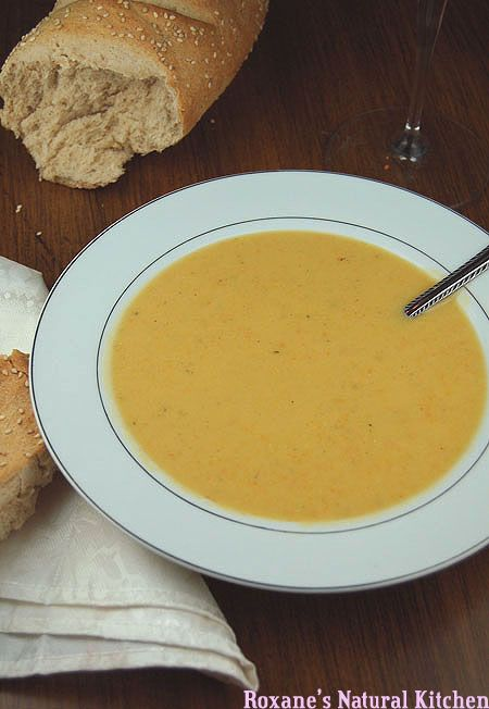 Roxane's Natural Kitchen: Simple and Creamy Potato Carrot Soup