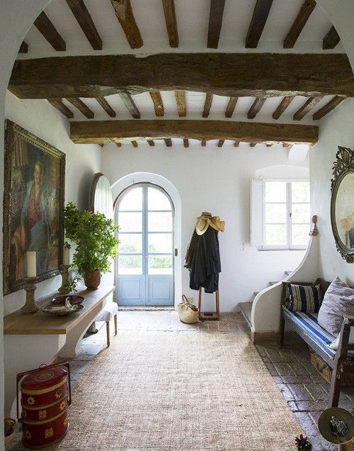 Welcoming entryway. Rural Italian retreat.