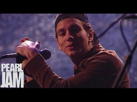 Oceans (Live) - MTV Unplugged - Pearl Jam - YouTube