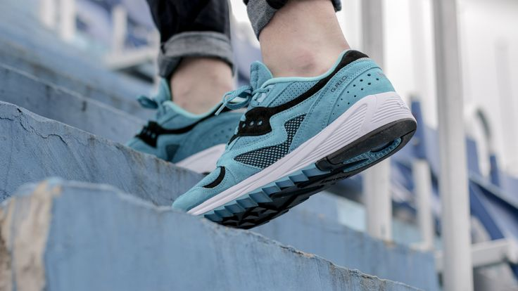 Step by step.  Saucony Grid 8000 Aqua: http://www.footshop.eu/en/mens-shoes/7419-saucony-grid-8000-aqua-.html  #saucony #footshop