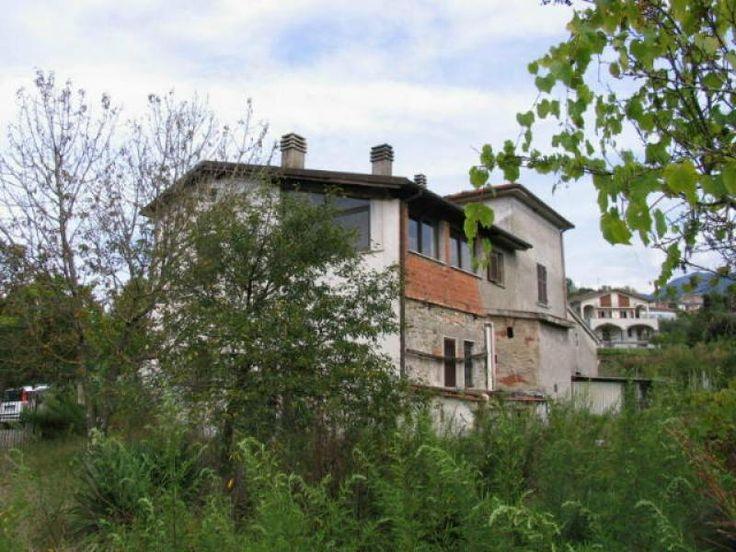 Property for sale in Tuscany, Massa Carrara, Filattiera, Italy - Italianhousesforsale - http://www.italianhousesforsale.com/view/property-italy/tuscany/massa-carrara/filattiera/4302780.html