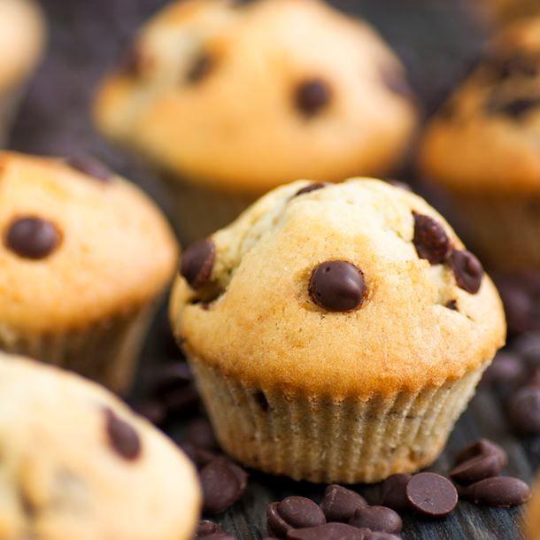 Muffins aux pépites de chocolat (sans oeuf) + 1,5 banane + 1 cuil à soupe cacao lait de quinoa sirop dérable huile de colza