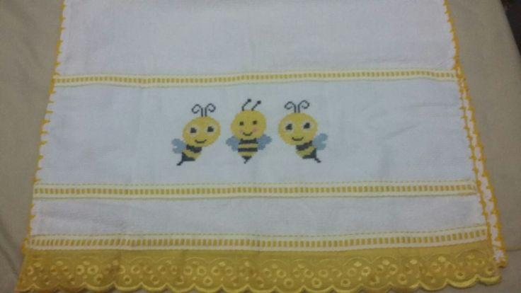 Pano de copa - ponto cruz- abelhinha