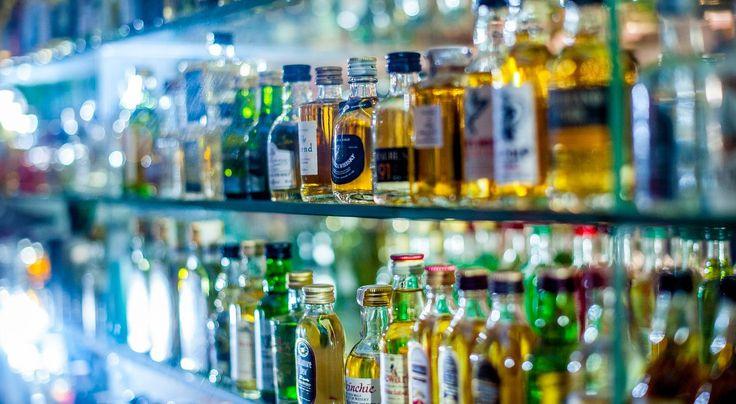 Na jeden punkt sprzedaży napojów alkoholowych powinno przypadać co najmniej 1000 osób. Dziś średnia dla całej Polski to 273 osoby.