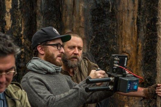 Darren Aronofsky und Russell Crowe am Set zu NOAH