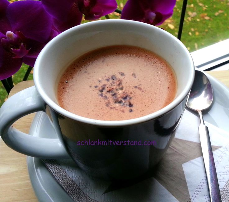 Heiße Schokolade low carb Lust auf was Süßes? Lust auf Schokolade? http://schlankmitverstand.com/ #lowcarb #abnehmen #kakao