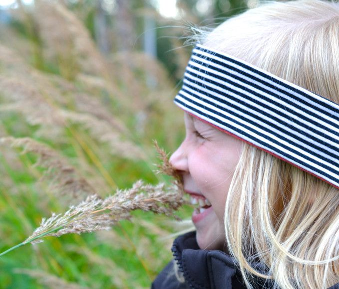 DIY: Sy høstens fineste pannebånd - Trinn-for-trinn-forklaring finner du på myldre.com.   DIY: Make a cute headband for the kids - Tutorial at myldre.com.