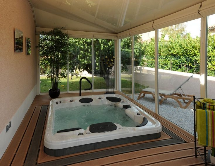 105 best Jacuzzi dans une véranda images on Pinterest Swimming - prix veranda piscine couverte