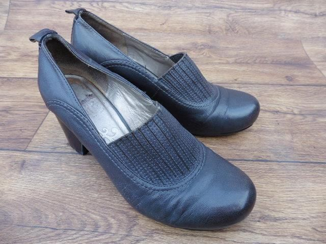 SIZE UK 6 CLARKS WOMENS ACTIVE AIR CHUNKY GREY LEATHER COURT SHOES ELASTIC FRONT